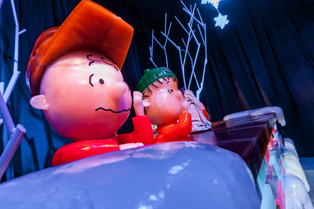 Gaylord Palms ICE Peanuts 2016 Charlie Brown And Linus