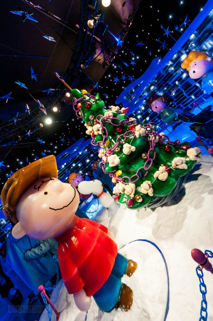 Gaylord Palms ICE Peanuts 2016 Merry Christmas Charlie Brown