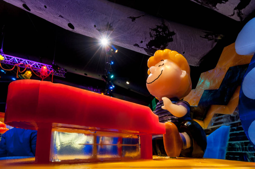 Gaylord Palms ICE Peanuts 2016 Schroeder At The Piano