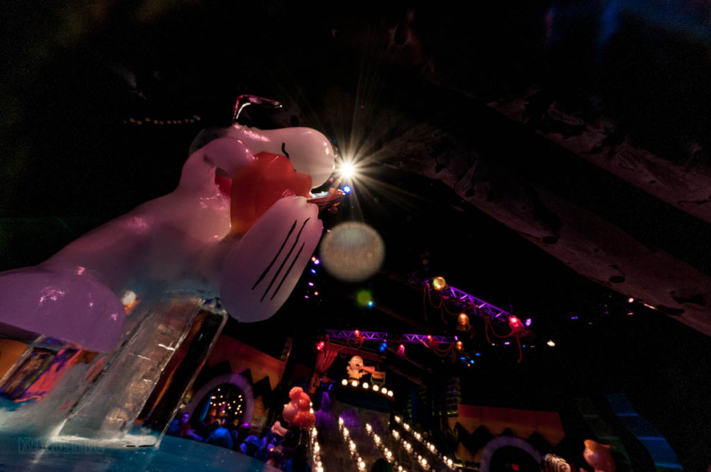 Gaylord Palms ICE Peanuts 2016 Snoopy Rockin Out