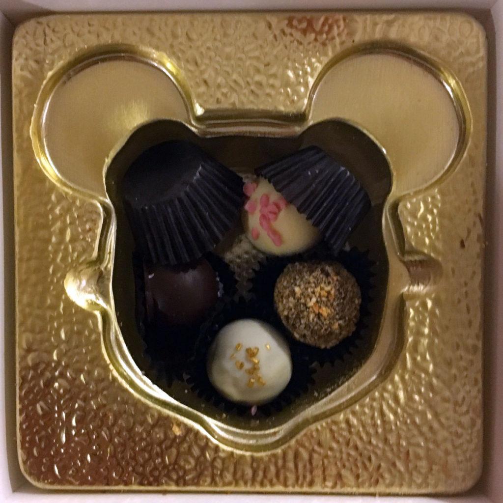 Wonder Happy Holidays Chocolates