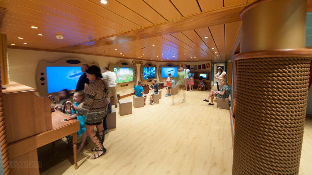 Wonder Oceaneer Lab Wheel House