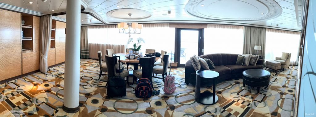 Dream Roy Suite 12502 Living Room Pano