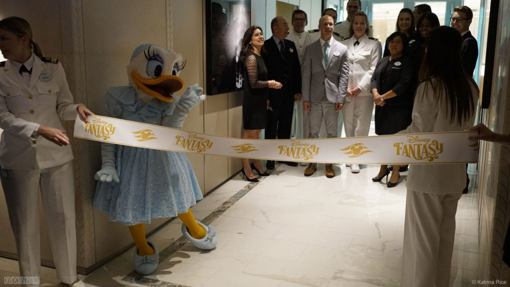 Fantasy Tiffany Ribbon Cutting 2 KRice