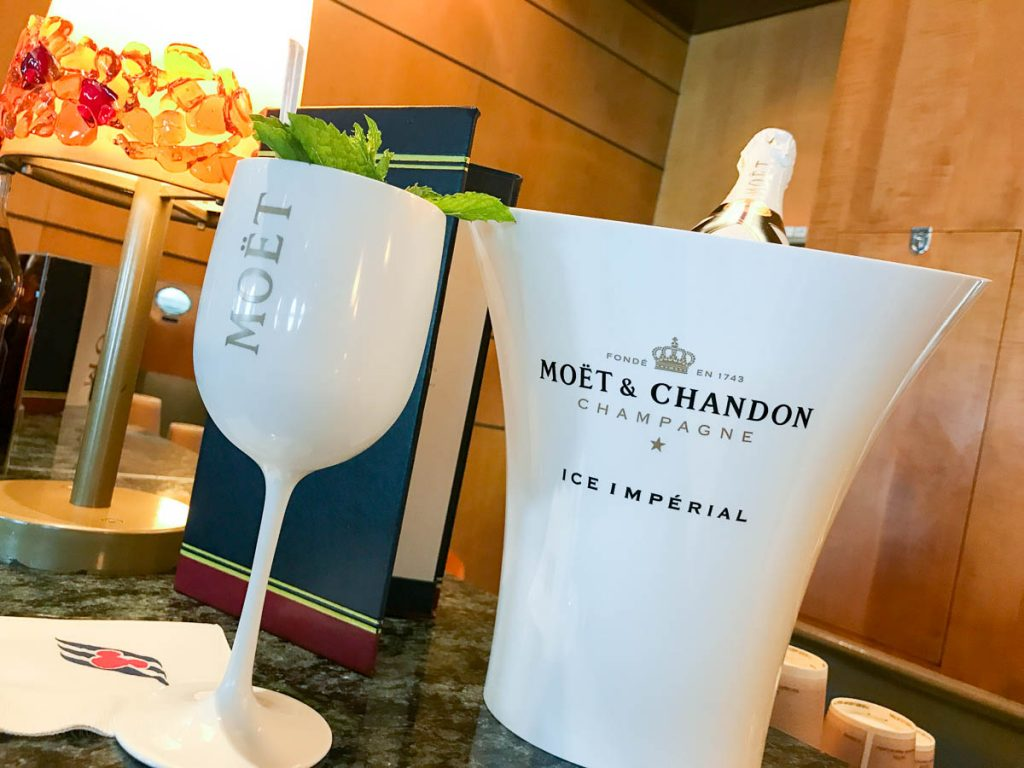 Moët & Chandon Ice Imperial Promenade Lounge