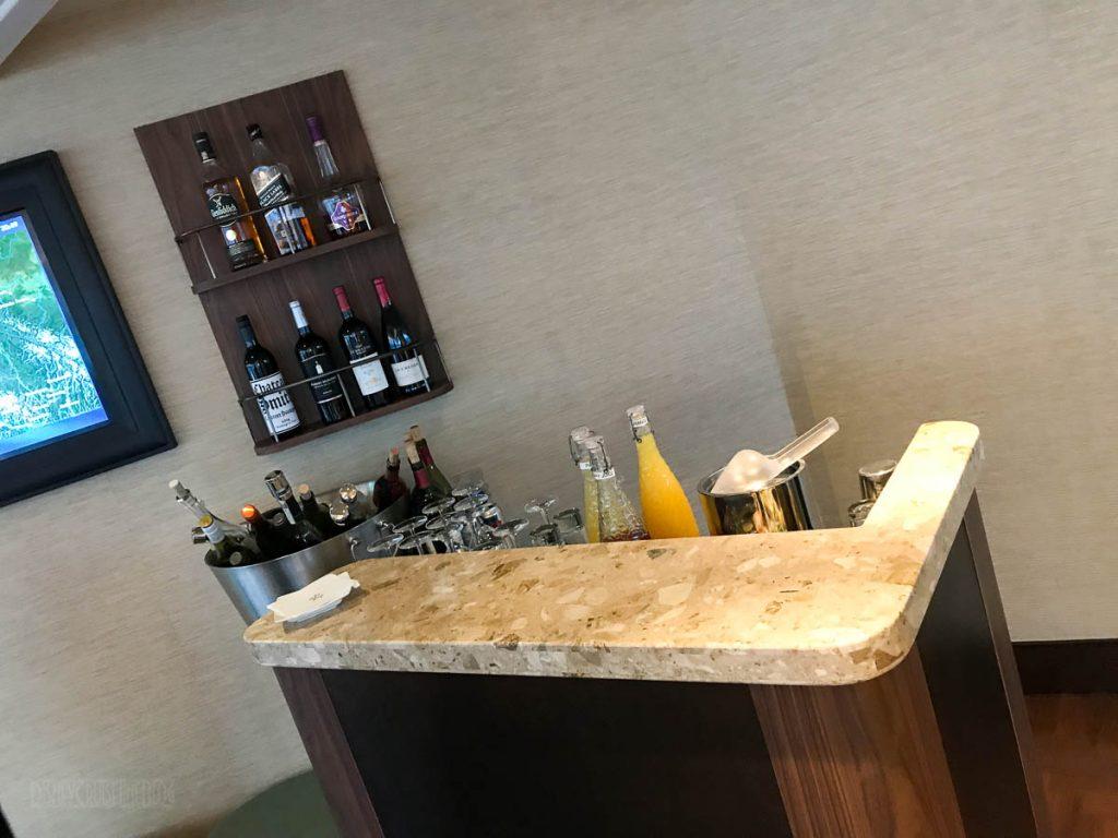 Wonder Concierge Lounge Bar