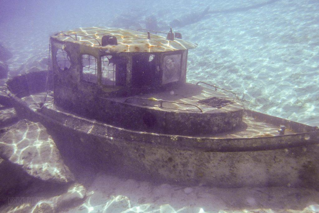 Castaway Snorkeling Lagoon Treasures Fishing Boat