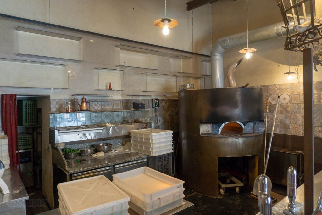 Naples Pizza Making