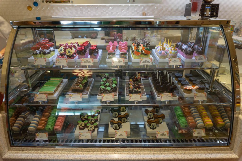 Vanelopee's Sweets And Treats