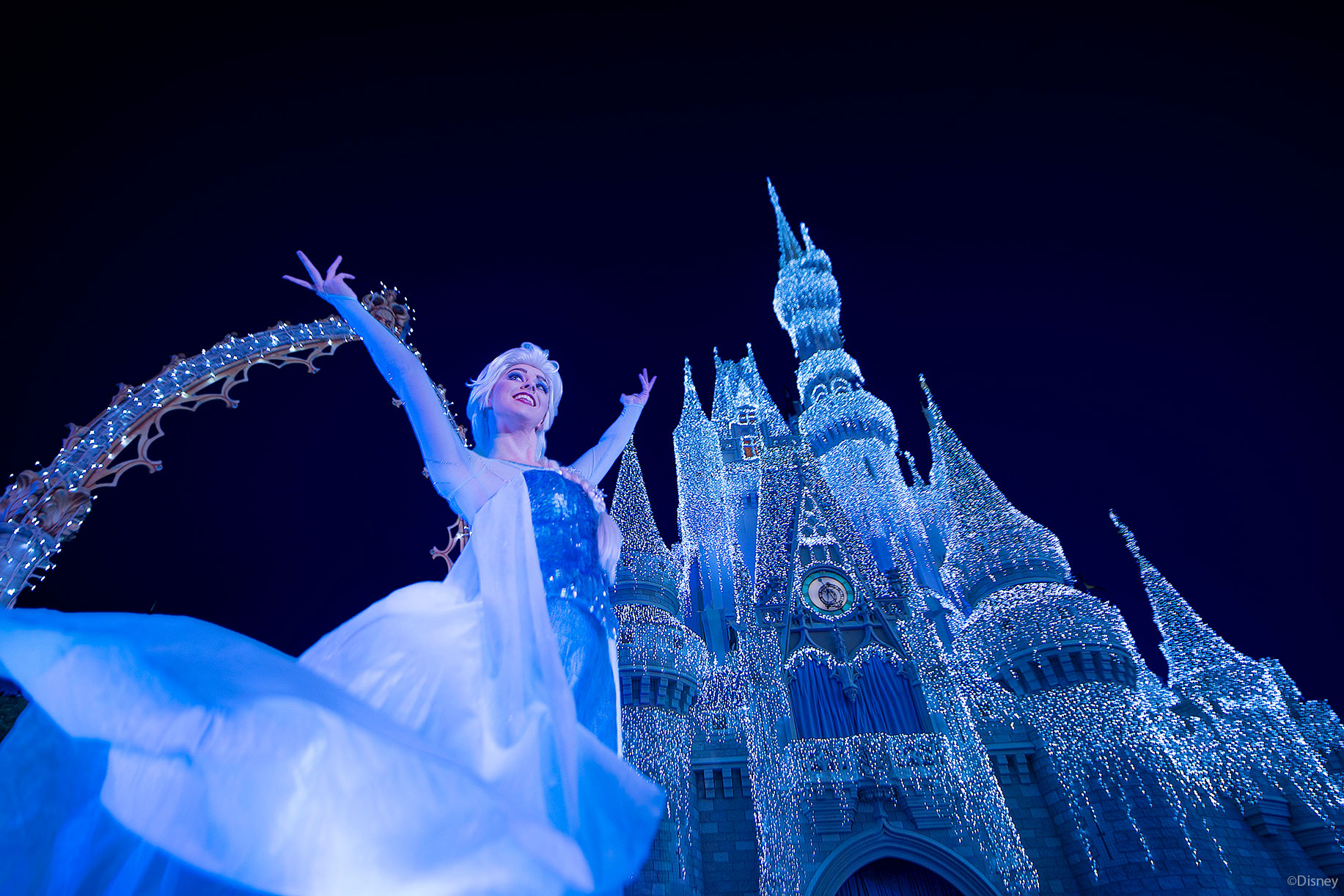 Disneyparkslive Streaming Of A Frozen Holiday Wish Scheduled For 6 10pm Tonight The Disney