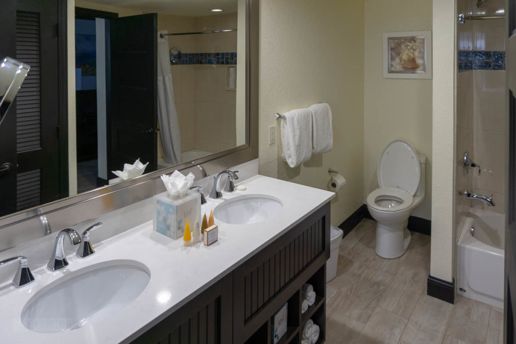 Cocoa Beach Resort Room Full Bath