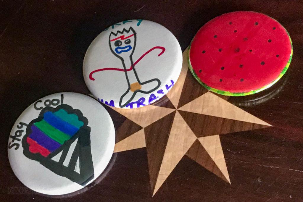 Promenade Lounge Crafts Button Making