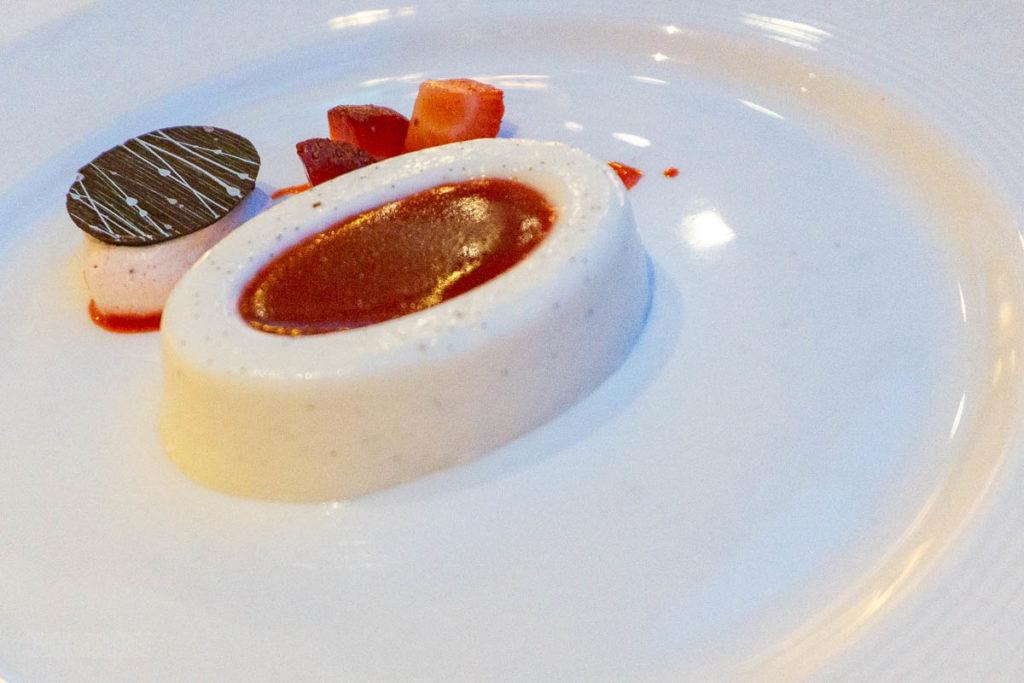 Vista Dessert Creme Fraiche Panna Cotta