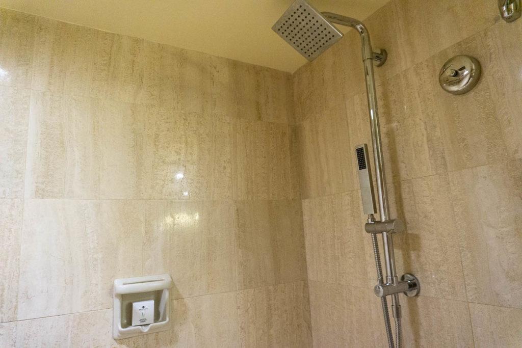 Pan Pacific Hotel Room Bathroom