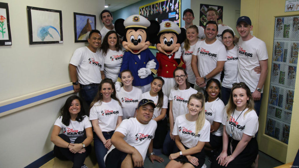 DCL Holiday Visits 2019 Magic Volunteers Grand Cayman