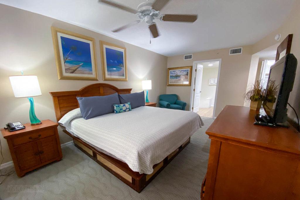 Resort On Cocoa Beach Master Bedroom