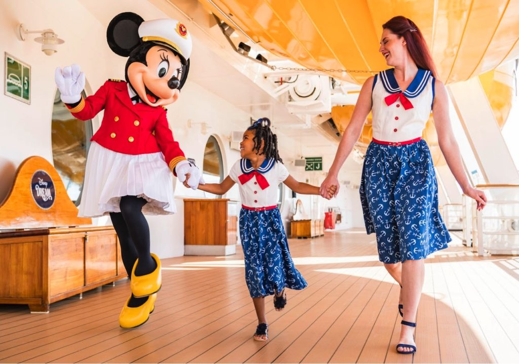 Sail Away Minnie Collection 7