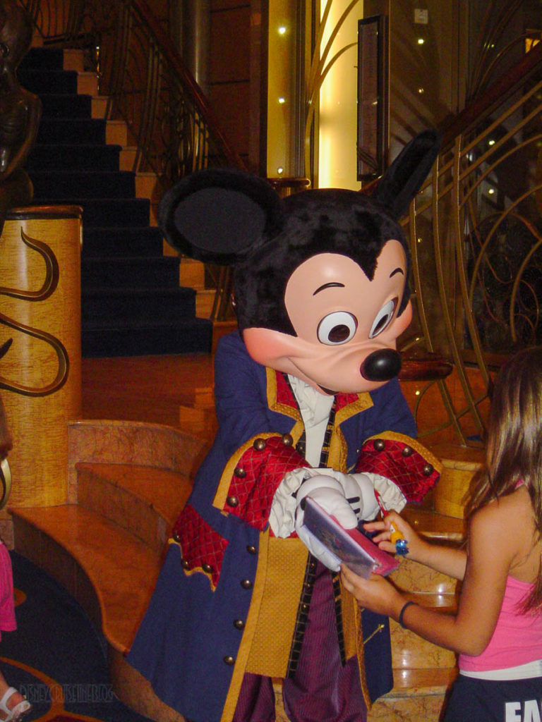 Disney Wonder Pirate Mickey