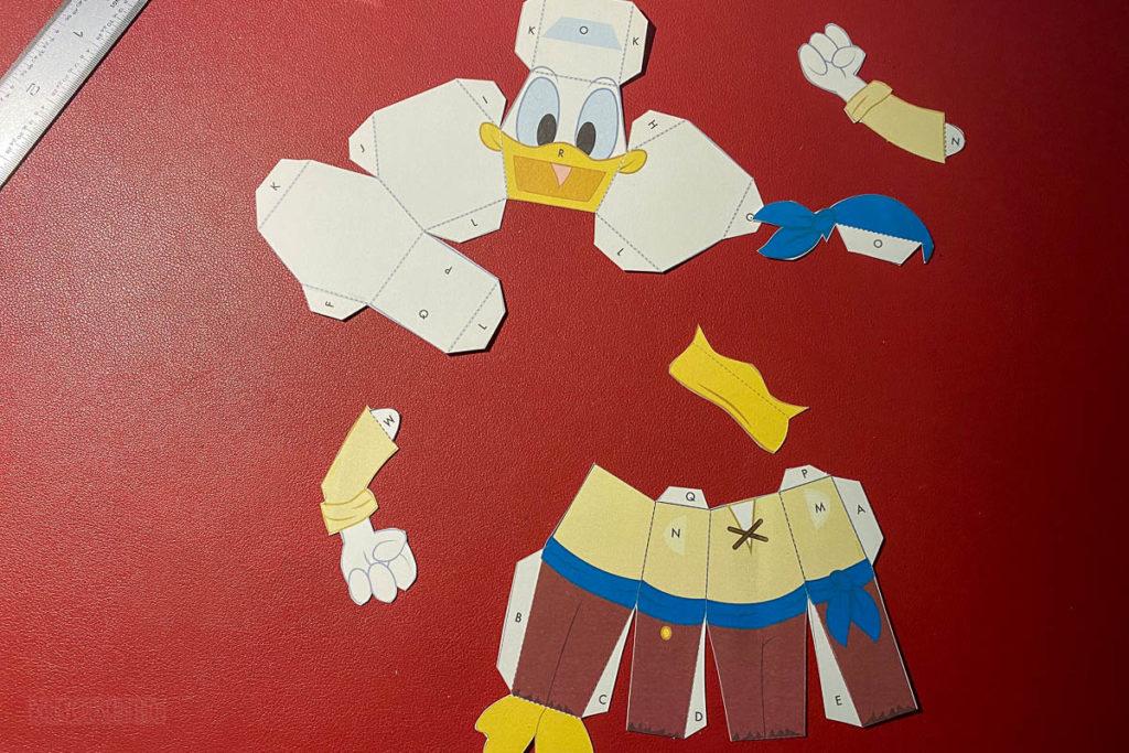 DCL 3D Paper Craft Pirates Donald Cut