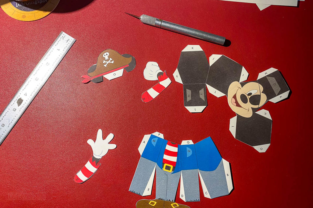 DCL 3D Paper Craft Pirates Mickey Cut