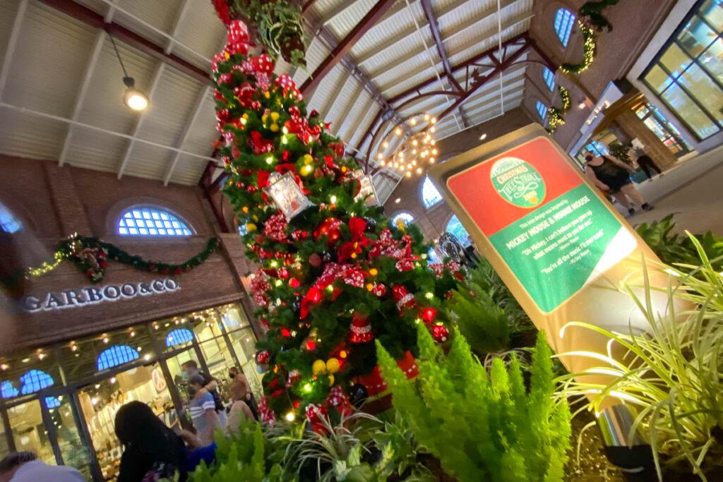Disney Springs Christmas Tree Stoll 2020 Mickey Mouse Minnie M